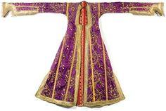 Ottoman Turkey Kaftan purple silk, embroidered with metallic thread, late eighteenth - early nineteenth century.