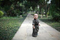 "cultureincart: "" The cute little monk in Xichan Temple, Fuzhou, southeast China's Fujian Province. Baby Buddha, Little Buddha, Le Tibet, Chinese Buddhism, Buddhist Monk, Martial Artists, Beautiful Children, Belle Photo, Buddhism"