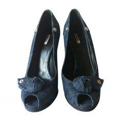 Je viens de mettre en vente cet article  : Sandales compensées Miu Miu 180,00 €…