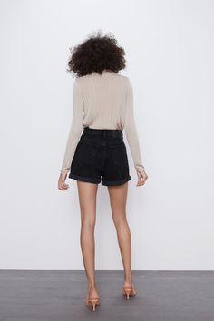 MOM FIT BERMUDA SHORTS | ZARA Bulgaria Zara Spain, Zara Shorts, Short En Jean, Mannequin, Bermuda Shorts, Mom Jeans, Short Dresses, Mini Skirts, My Style