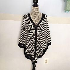 Gorgeous poncho Brand new! Sweaters Shrugs & Ponchos