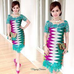 Baju p esta. Dress Brokat, Kebaya Dress, Batik Kebaya, Kebaya Bali, African Print Dresses, African Print Fashion, Ethnic Fashion, Model Dress Batik, Batik Dress