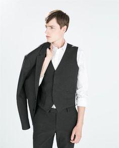 ZARA - HOMBRE - TRAJE ESTRUCTURA GRIS. Edition chaqueta 100€ pantalon 50€  chaleco 50€ cb37b3cc7f9