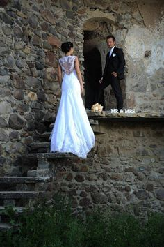 Creative Photos, Chic Wedding, Castle, Wedding Dresses, Fashion, Bride Dresses, Moda, Bridal Gowns, Alon Livne Wedding Dresses