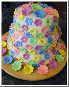 How to Make Sweet and Easy Decorating Fondant for Cakes Microwaves