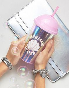 24 Mermaid-Inspired Buys for the Ultimate Bachelorette Party Your bridesmaids will feel like true mermaids with this iridescent mermaid cup. Mermaid Cup, Mermaid Tails, Mermaid Shell, Mermaid Gifts, Mermaid Lagoon, Mermaid Kisses, Cute Water Bottles, Unicorns And Mermaids, The Little Mermaid
