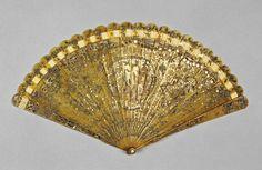 Horn brisé fan with gilt and silver piqué work, European c1780-1800. Fitzwilliam Museum