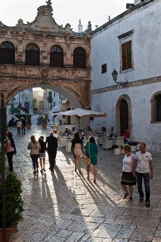 Ostuni, detta anche Città Bianca, perché il suo caratteristico centro storico un tempo era interamente dipinto con calce bianca (oggi solo in parte). Puglia, Italy