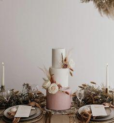 Blush Wedding Cakes, Wedding Cakes With Flowers, Beautiful Wedding Cakes, Flower Cakes, Timeless Wedding, Chic Wedding, Our Wedding, Dream Wedding, Wedding Ideas