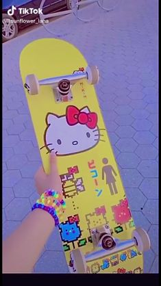 Aesthetic Indie, Bad Girl Aesthetic, Aesthetic Vintage, Skateboard Design, Skateboard Decks, Skates, Indie Room Decor, Hello Kitty Pictures, Indie Girl
