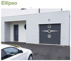 Porte de garage sectionnelle sur mesure lisse avec personnalisation : décors inox et hublots ELLIPSO