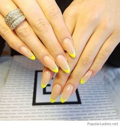 Want to know how to do gel nails at home? Learn the fundamentals with our DIY tutorial that will guide you step by step to professional salon quality nails. Cute Nails, Pretty Nails, Hair And Nails, My Nails, Minimalist Nails, Oval Nails, Instagram Nails, French Tip Nails, Dream Nails