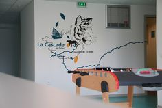 signaletique-handicape-centre-residence-creation-picto-vinyle