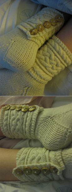 Без заголовка Knitting Socks, Clothes For Women, Ladies Clothes, Mittens, Lana, Slippers, Ankle, Sewing, Crochet