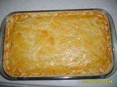 Massa: - 1 kg de farinha de trigo - 2 ovos - 500 g de manteiga qualy - Recheio: - 500 g presunto - 500 g queijo - Orégano a gosto - Azeitona a gosto -