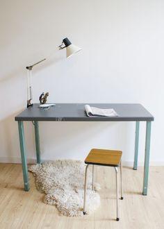 Stoere industriële tafel. Vintage metalen werkplek/bureau | Toffe meubels | Flat Sheep