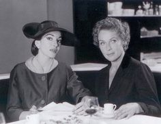 Maria Callas et Elisabeth Schwarzkopf, fin des années 50.