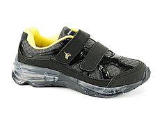 Que tal seu menino com esse tênis #BeeHappy? Confira aqui: http://www.dayshoes.com.br/produto/tenis-infantil-bee-happy-3119-676-preto-amarelo-1.21969 #DayShoes #DiadasCrianças