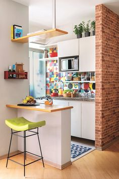 6 Modern Small Kitchen Ideas That Will Give a Big Impact on Your Daily Mood - Ho. , < 6 Modern Small Kitchen Ideas That Will Give a Big Impact on Your Daily Mood - Houseminds - Small Modern Kitchen ,Modern Small Kitchen Design ,Kitche. Quirky Home Decor, Home Decor Kitchen, Kitchen Interior, Home Kitchens, Decorating Kitchen, Room Kitchen, Kitchen Wood, Decorating Games, Eclectic Decor