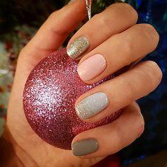 Christmas nails by me caz x Nails 2016, Christmas Nails, Beauty, Christmas Manicure, Xmas Nails, Beauty Illustration