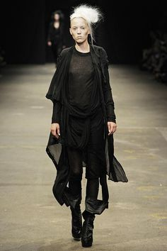 Barbara i Gongini S/S '13. A little bit of tidying up and this post apocalyptic look is a great cover up for an older body.