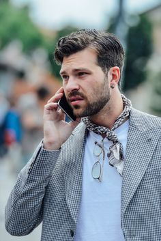 Tommy Ton Shoots the Best Street Style from the Men's Fashion Shows Tommy Ton, Menswear Street Style, Stylish Men, Men Casual, Mode Man, Slimming World, Moda Blog, Urban Street Style, Mens Fashion Suits