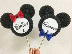 Wedding Photo Booth Props, Mickey Party, Disney S, Bride Groom, Birthday Cards, Wedding Photos, Frame, Mickey Mouse Art, Paper Crafts