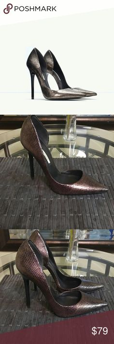 Zara Bronze Snake Skin Stilettos Size 38 Zara Bronze Snake Skin Stilettos Size 38 Like New. Please review pictures and ask all the questions you like. Thanks Zara Shoes Heels