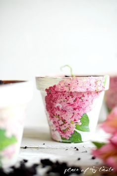 A collection of six DIY Terra Cotta Pot Ideas perfect for Mother's Day gift giving or just because! Use decoupage, vintage graphics and your imagination! Decorated Flower Pots, Painted Flower Pots, Painted Pots, Painted Pottery, Clay Flower Pots, Terracotta Flower Pots, Clay Pots, Flower Planters, Clay Pot Crafts