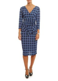 Browse through our selection of dresses from dress clothing stores with pretty florals to sharpe and chic details for any occasion from day to evening with an elegant and feminine style. SHOP NOW! Feminine Style, Color Mixing, Shop Now, Wrap Dress, Dresses With Sleeves, Elegant, Chic, Pretty, Clothing