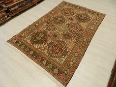 """Old Vintage Kilim Rug 4' x 6'4"""" Turkey Rug Kilim Rug Turkish Kilim Embroidery Design Decorative Kilim Rug Floor Rug Bohemian Rug"""