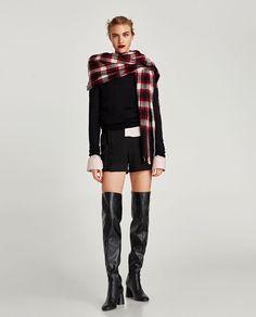 Zara'dan 1  VOLANLI BERMUDA ŞORT Resmi Angela Martin, Shorts Sale, Zara Women, No Frills, Black Boots, All Black, Trousers, Punk, Outfits