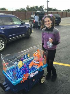 Finding Nemo Halloween costume.  Clever!  Nemo and Darla!