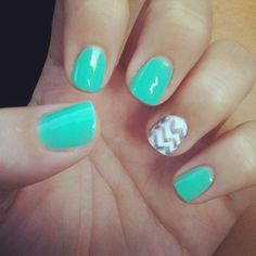 Nails with chevron design