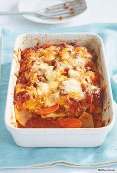 Kohlrabi- und Möhrenscheiben haben es voll drauf, Lasagne-Blätter superlecker zu ersetzen. Deshalb hat unsere Lasagne auch nur 17 g Kohlehydrate p.P.