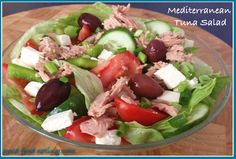 When you're traveling with diabetes it's not an excuse to eat junk food all day. Here are 7 easy and delicious meals you can make from grocery store items. Heart Healthy Recipes, Real Food Recipes, Healthy Salads, Healthy Eating, Mediterranean Tuna Salad, Food Diary, Soup And Salad, Tasty Dishes, Quick Easy Meals
