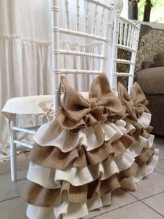 Burlap ruffled chair cover by PaulaAndErika on Etsy Furniture Covers, Chair Covers, Table Covers, Furniture Nyc, Cheap Furniture, Furniture Design, Burlap Ottoman, Rideaux Design, Christmas Chair