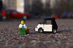lego-minifigure-men-lego-smart-car-wallpaper