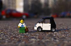 lego-minifigure-men-lego-smart-car-wallpaper