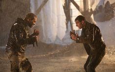 Jai Courtney and Tom Cruise fighting in the rain!!!  Jack Reacher - movie.