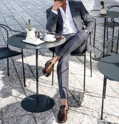 Awesome looking men casual fashion Suit Fashion, Mens Fashion, Work Fashion, Fashion Trends, Style Fashion, Fashion Hair, Fashion Photo, Fashion Outfits, Style Casual