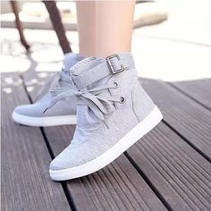 Canvas Flat Round Toe Lace-up Flats Short Boots style Sneakers Shoes, Sneakers Mode, Sneakers Fashion, Fashion Shoes, Women's Shoes, Top Shoes, Cute Shoes, Me Too Shoes, Basic Fashion