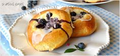 Bagels with cheese and blueberries