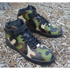 Camo Nike Air Force 1 Mids - Painted Camouflage Pattern - B Street Shoes Nike Air Shoes, Nike Free Shoes, Camo Shoes, Men's Shoes, Cleats Shoes, Nike Air Force, Jordan Shoes Girls, Jordan Sneakers, Men Sneakers