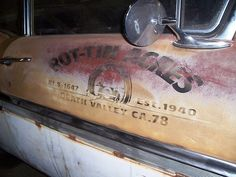 Door art anyone? - The 1947 - Present Chevrolet & GMC Truck Message Board Network Truck Lettering, Hand Lettering, Door Letters, Pinstripe Art, Truck Signs, Old Pickup Trucks, Airbrush Art, Pinstriping, Hand Painted Signs