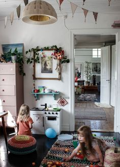 Super cute playroom with kitchen set Casa Kids, Creative Kids Rooms, Kids Decor, Home Decor, Inspiration For Kids, Little Girl Rooms, Kid Spaces, Girls Bedroom, Bedrooms