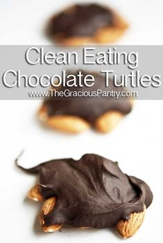 Clean Eating Chocolate Turtles paleo minus the brown rice syrup Clean Eating Chocolate, Clean Eating Desserts, Healthy Chocolate, Melt Chocolate, Bakers Chocolate, Chocolate Chips, Real Food Recipes, Dessert Recipes, Yummy Food