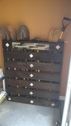 What To Do With One Single Pallet? A Rack For Your Tools! Pallet For Outdoor Projects