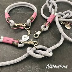 Edles silbernes Kletterseil trifft auf silbernes Kletterseil, Altrosa Cord und V. Noble silver climbing rope meets silver climbing rope, old pink corduroy and VINTAGE leather in GRAY! Rope Dog Leash, Diy Dog Collar, Cuir Vintage, Vintage Leather, Climbing Rope, Dog Accessories, Dog Supplies, Grey Leather, Pet Shop
