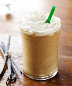 Top list of the best Starbucks Frappuccino! All the Starbucks Frappuccino flavors you absolutely must try out in one page! Easy Protein Shakes, Protein Shake Recipes, Healthy Shakes, Smoothie Recipes, Milkshake Recipes, Protein Smoothies, Smoothie Proteine, Mocha Smoothie, Green Smoothies